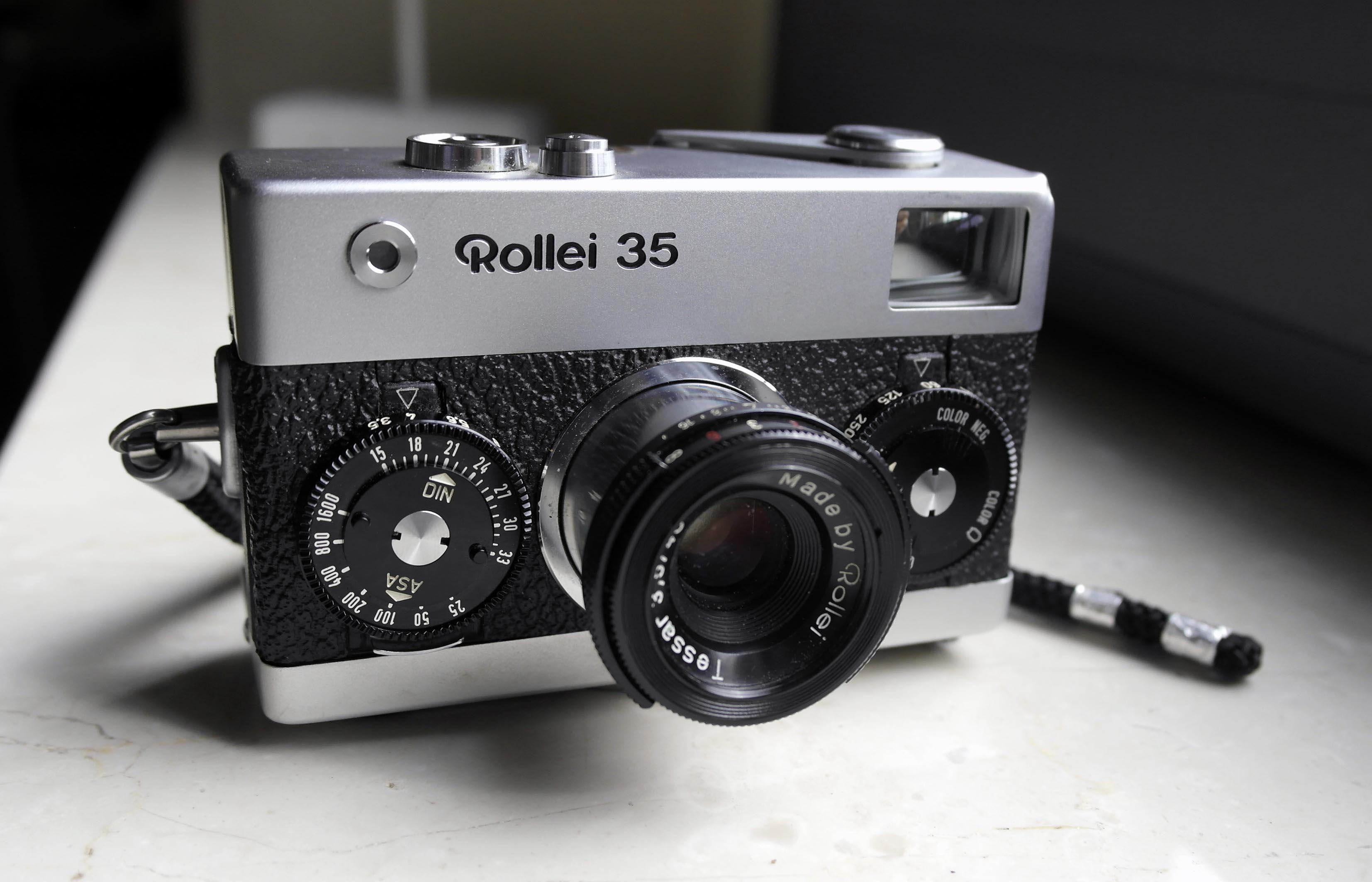Rollei 35, a review: www.italianfilmphotography.it/en/rollei-35-2