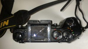 La Nikon F4 senza pentaprisma